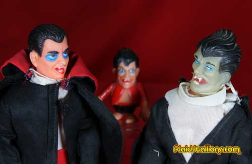 """Above a comparison shot of Lincoln Dracula along with the Tomland Mini Monster and the 8"""" FMOL Dracula, neat-o!"""