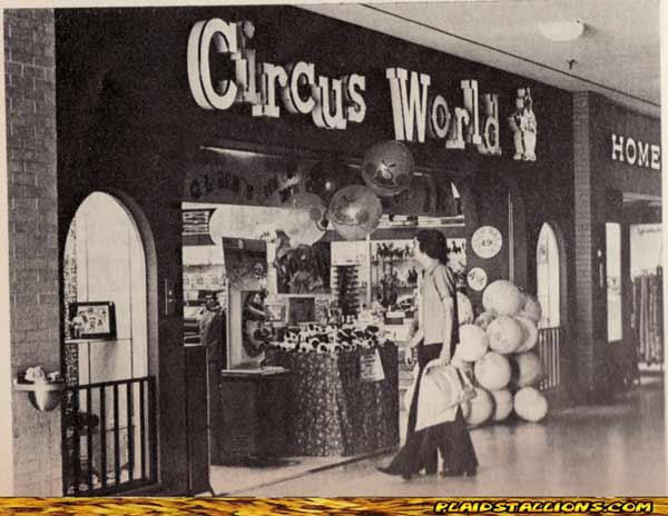Speaking Of Mego Superheroes Whats That In The Window This Circus World 1976
